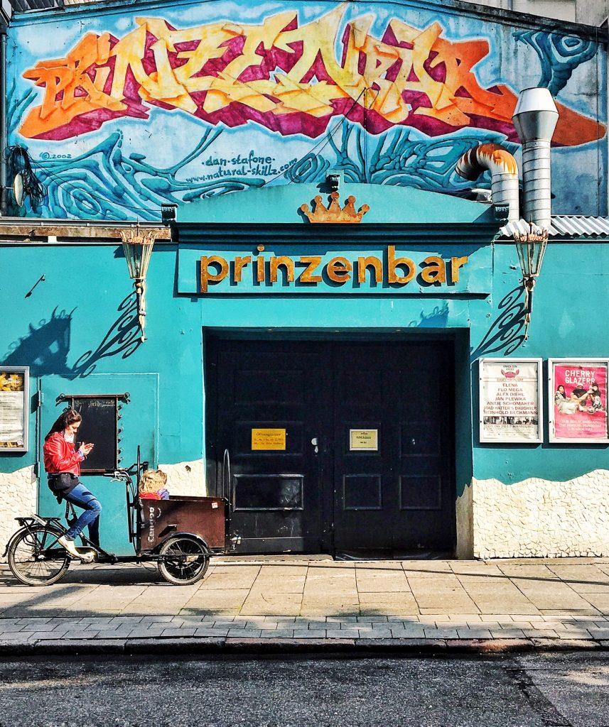 Prinzenbar / Docks: Reeperbahn, Kiez, St. Pauli (ELbville Hamburg Companion)
