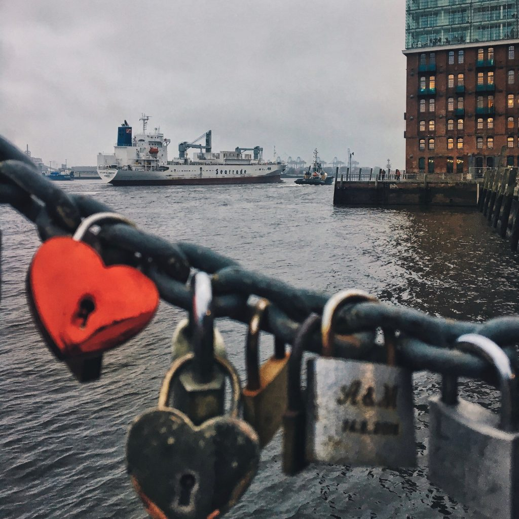 Elbvilles romantische Orte in Hamburg: Liebesschlösser am Fischmarkt