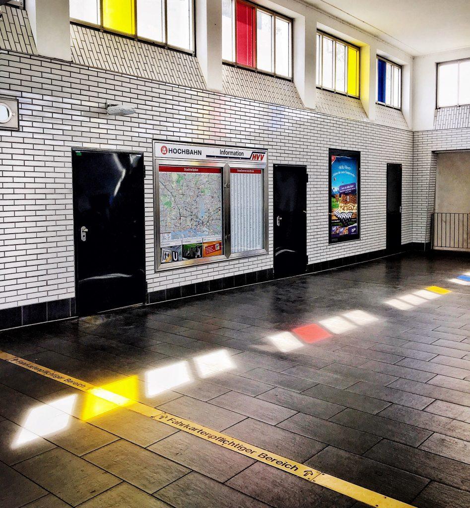Die coolsten U-Bahn Stationen in Hamburg: U-Bahn Station Feldstrasse Hamburg Companion