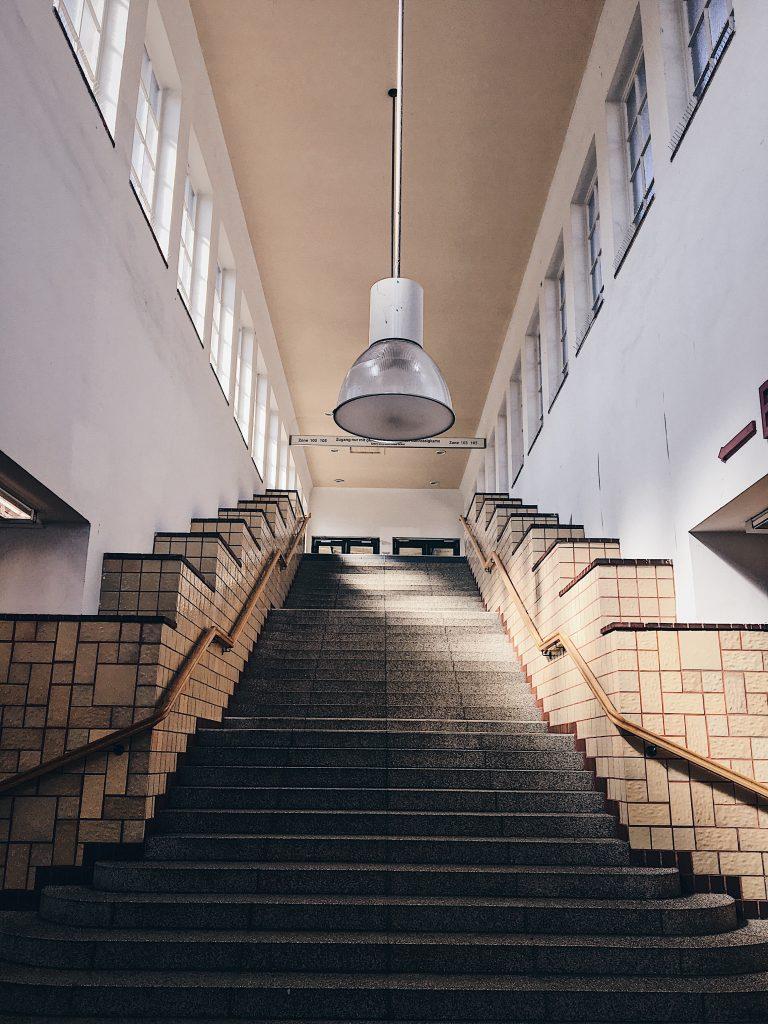 Saarlandstraße: die coolsten U-Bahn Stationen in Hamburg, Hamburg Companion, Frau Elbville