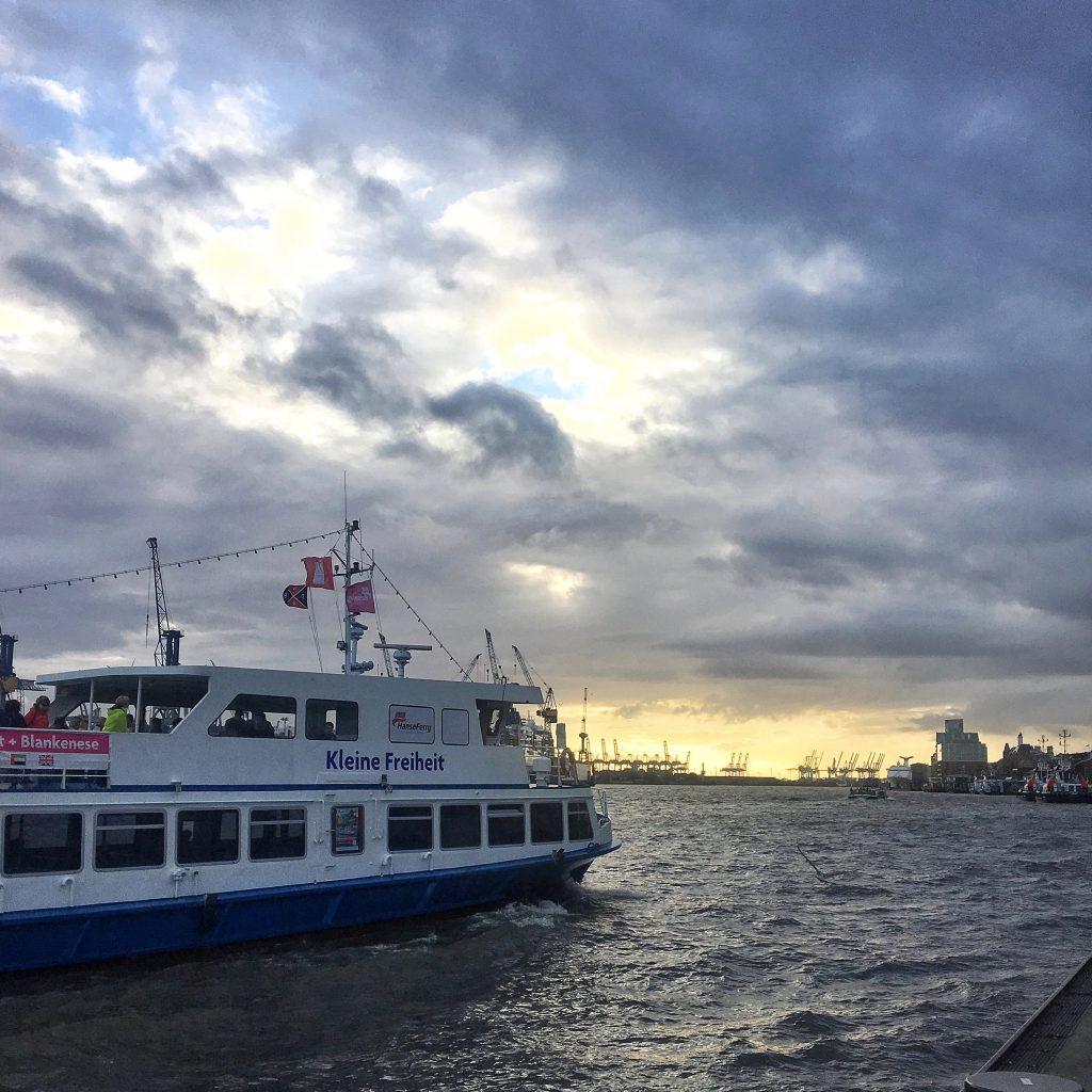 Hamburger Hafen: Regen und Schmudeelwetter, Tipps von Frau Elbville