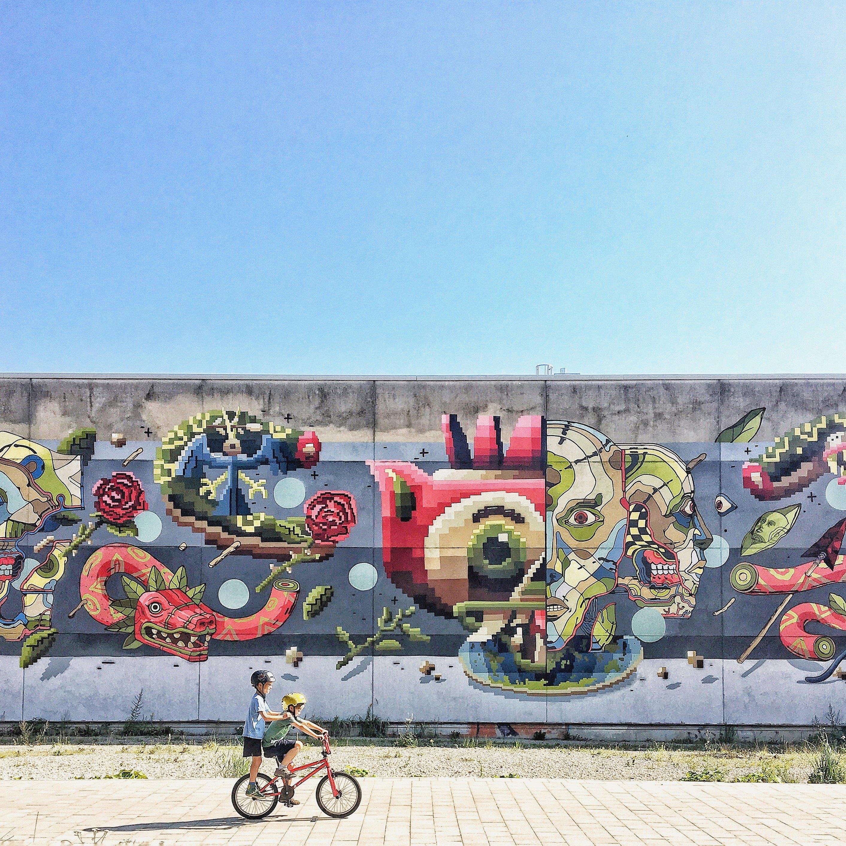 Streetart Hamburg: Grafitti Mural Ottensen Thalia Frau Elbville Hamburg Companion