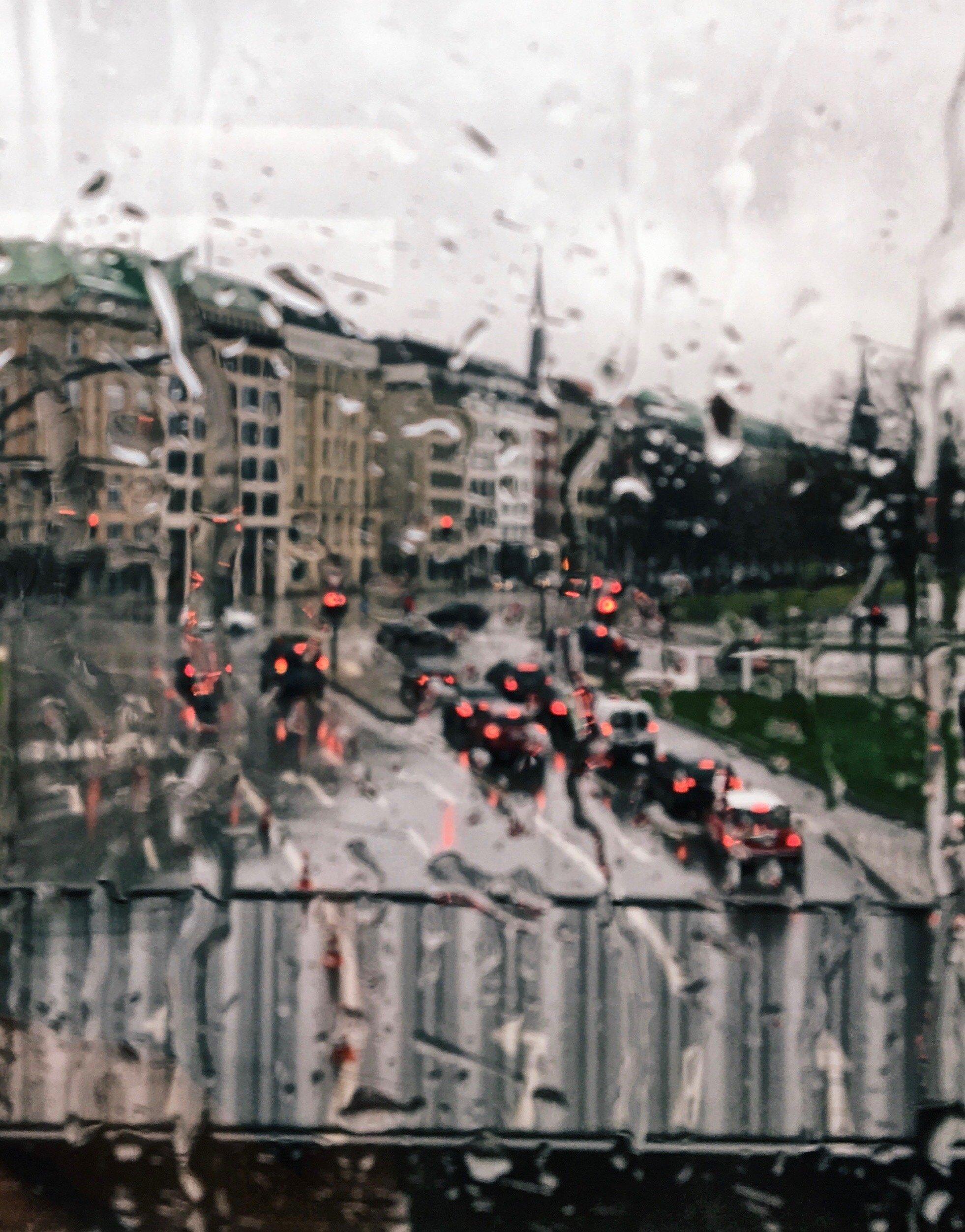 Bus fahren im Regen: HAmburg bei Schmuddelwetter, Tipps von Frau Elbville