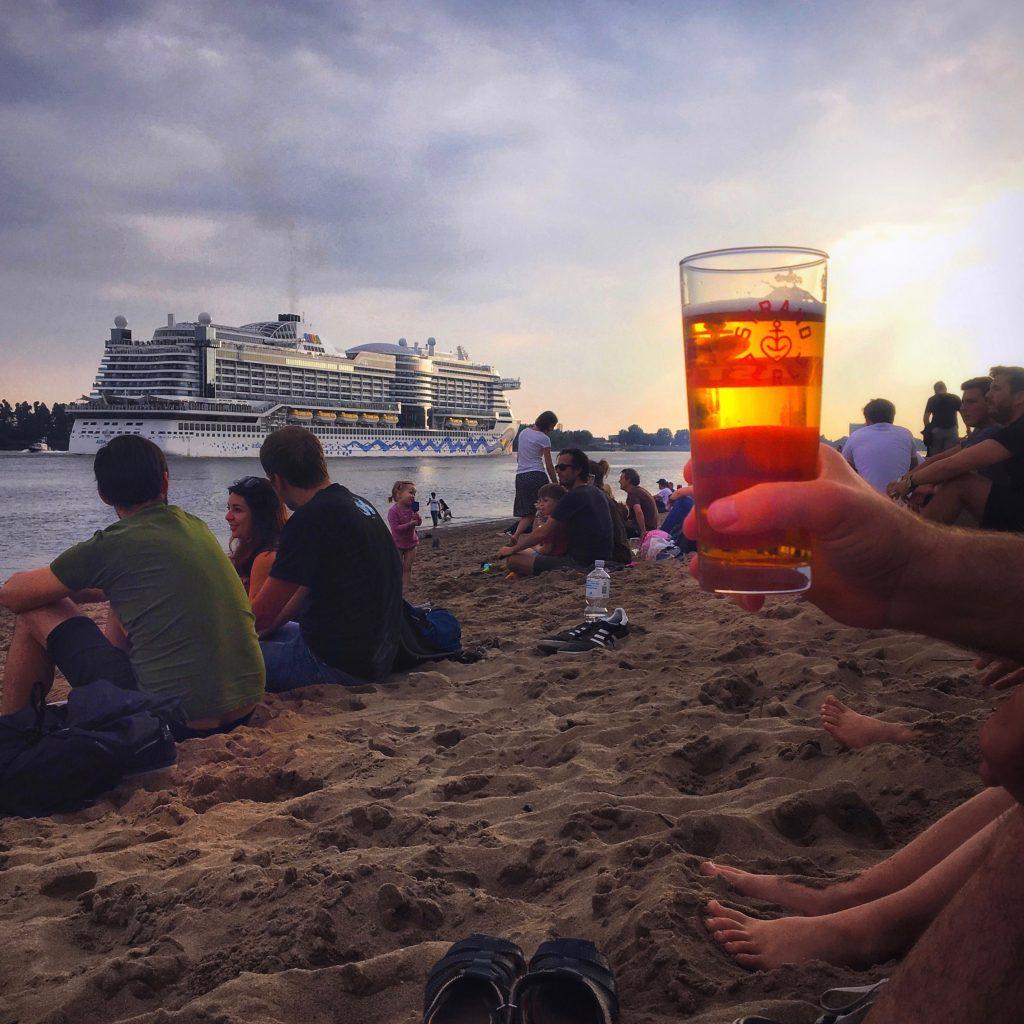 Staycation in Hamburg: Frau Elbvilles Tipps, zum Beispiel Strandperle ELbstrand