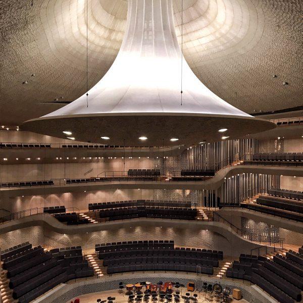 Grosser Saal Elbphilharmonie, Hamburg Companion, Frau Elbville