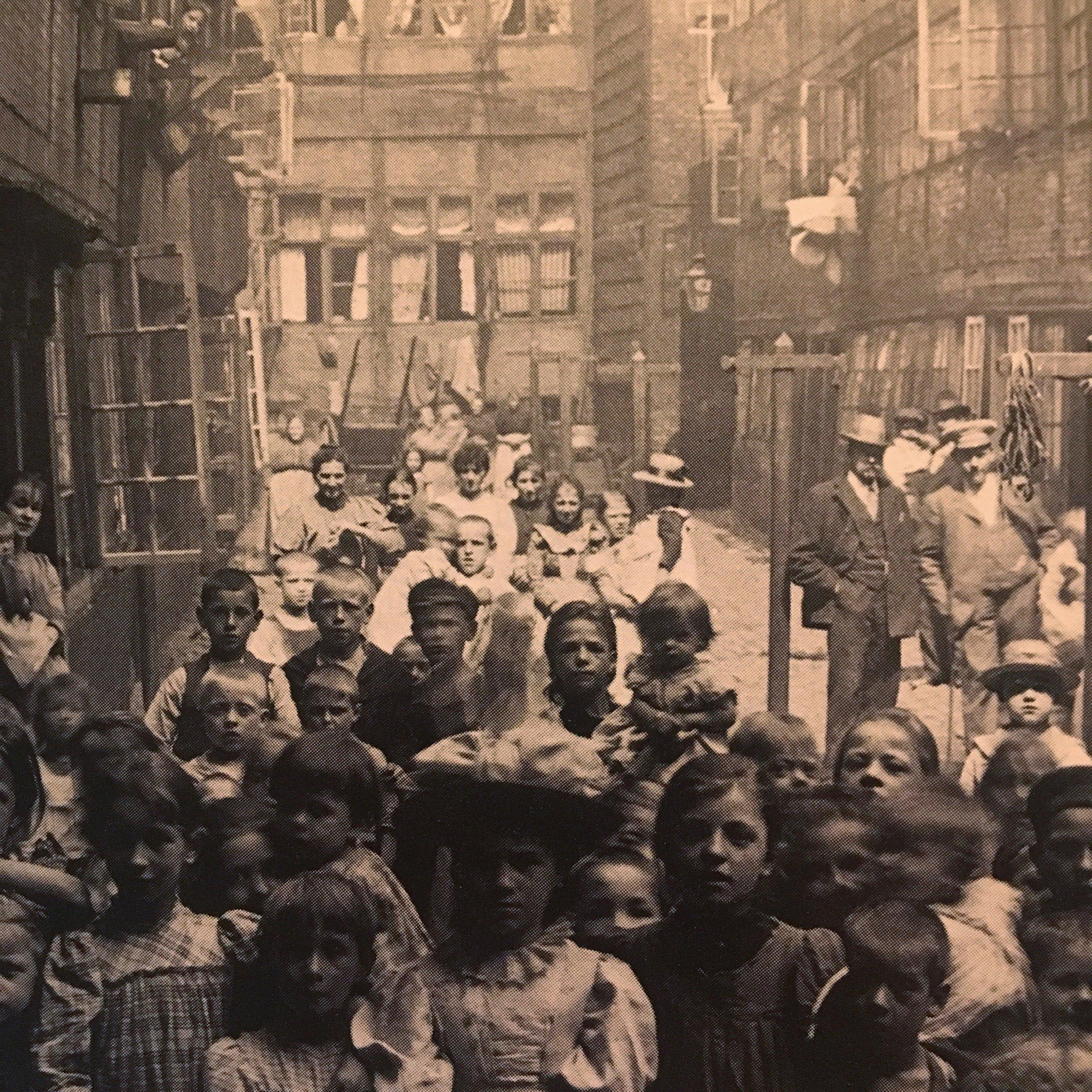 Hamburgs Gängeviertel: Als Die Pioniere Der Straßenfotografie Europas Größten Slum Besuchten …