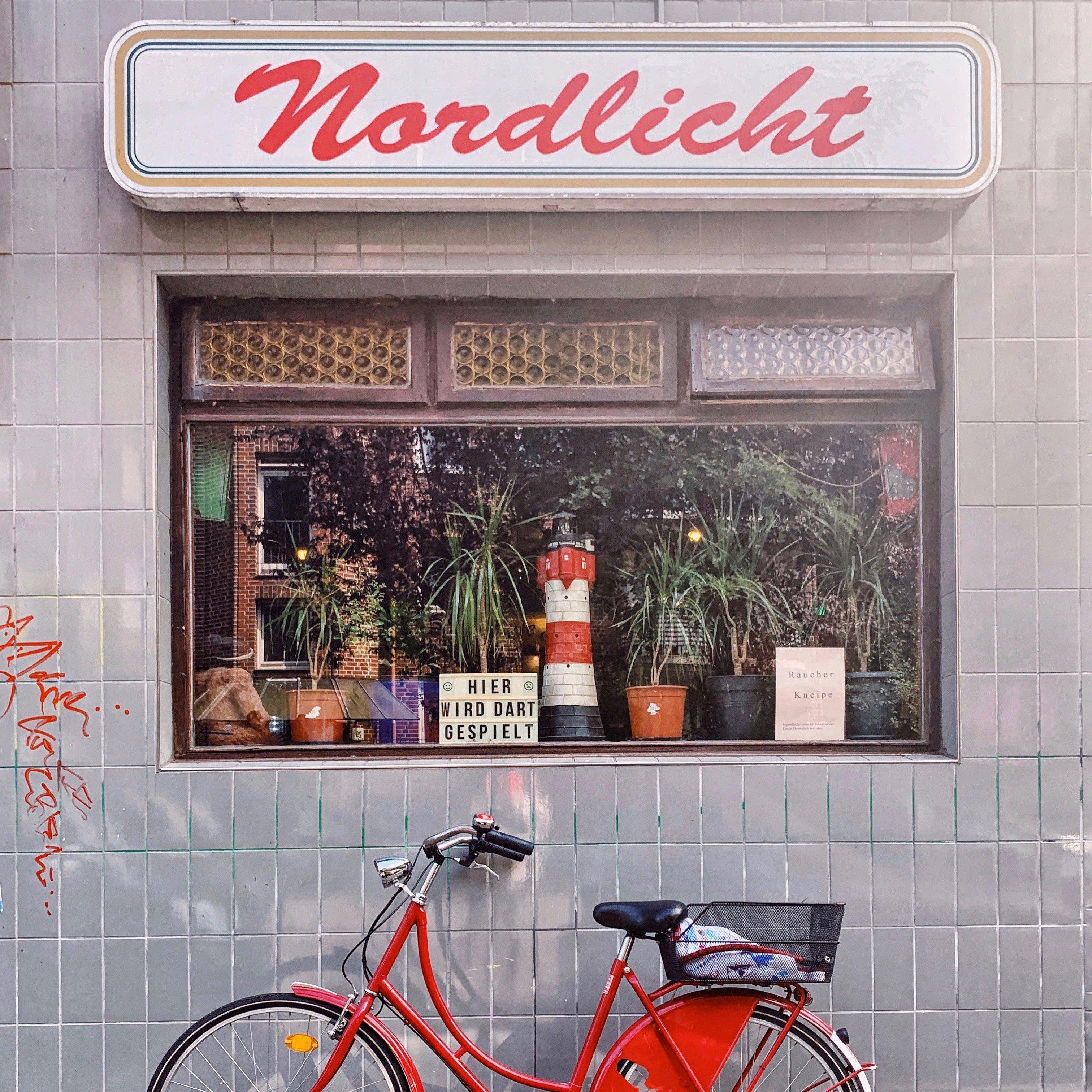 Street Photography In Hamburg: Wo Ihr Coole Botschaften Und Die Weisesten Worte Der Stadt Findet