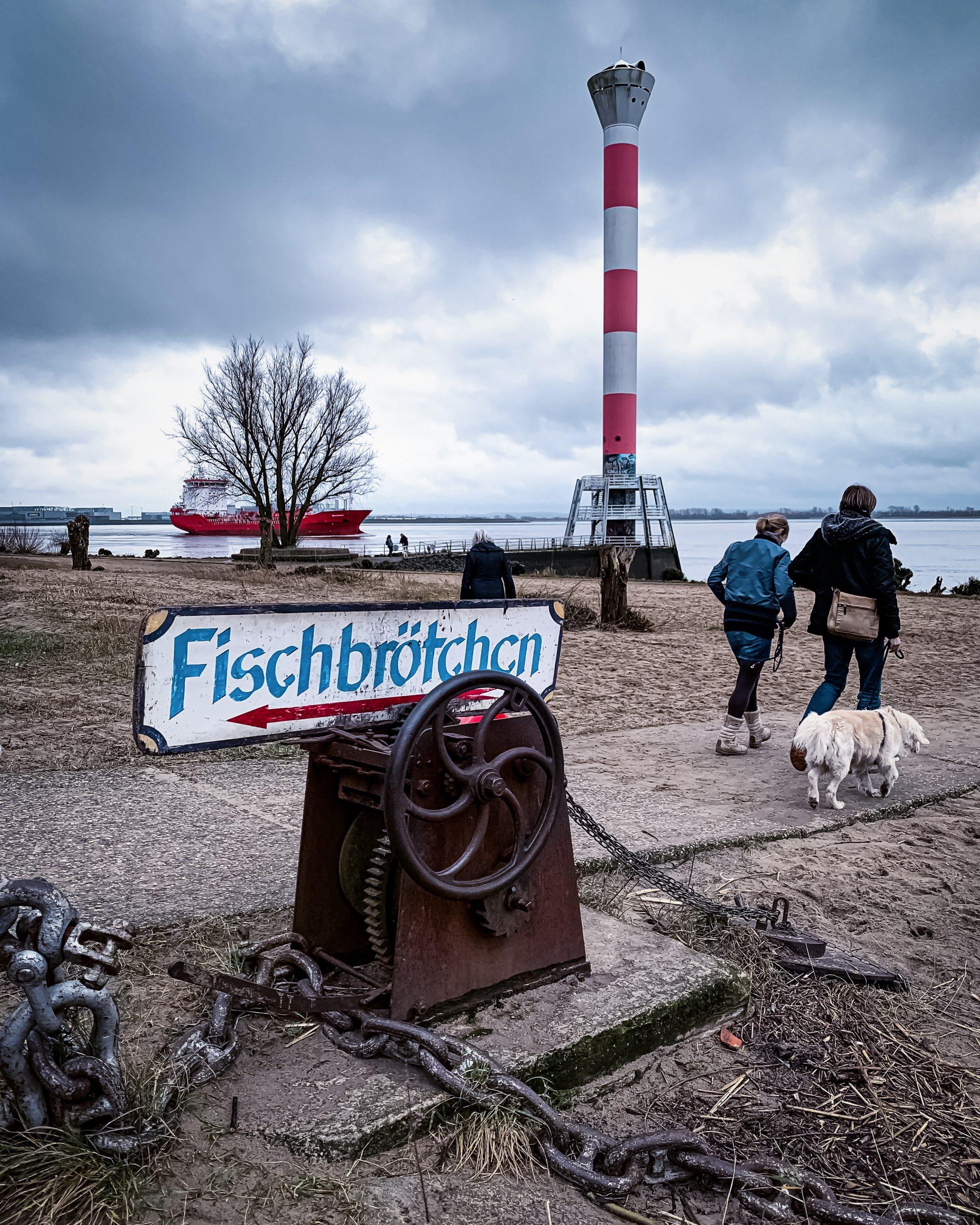 Fischbrötchen gibt's in Hamburg Blankenese in der Kajüte SB 12
