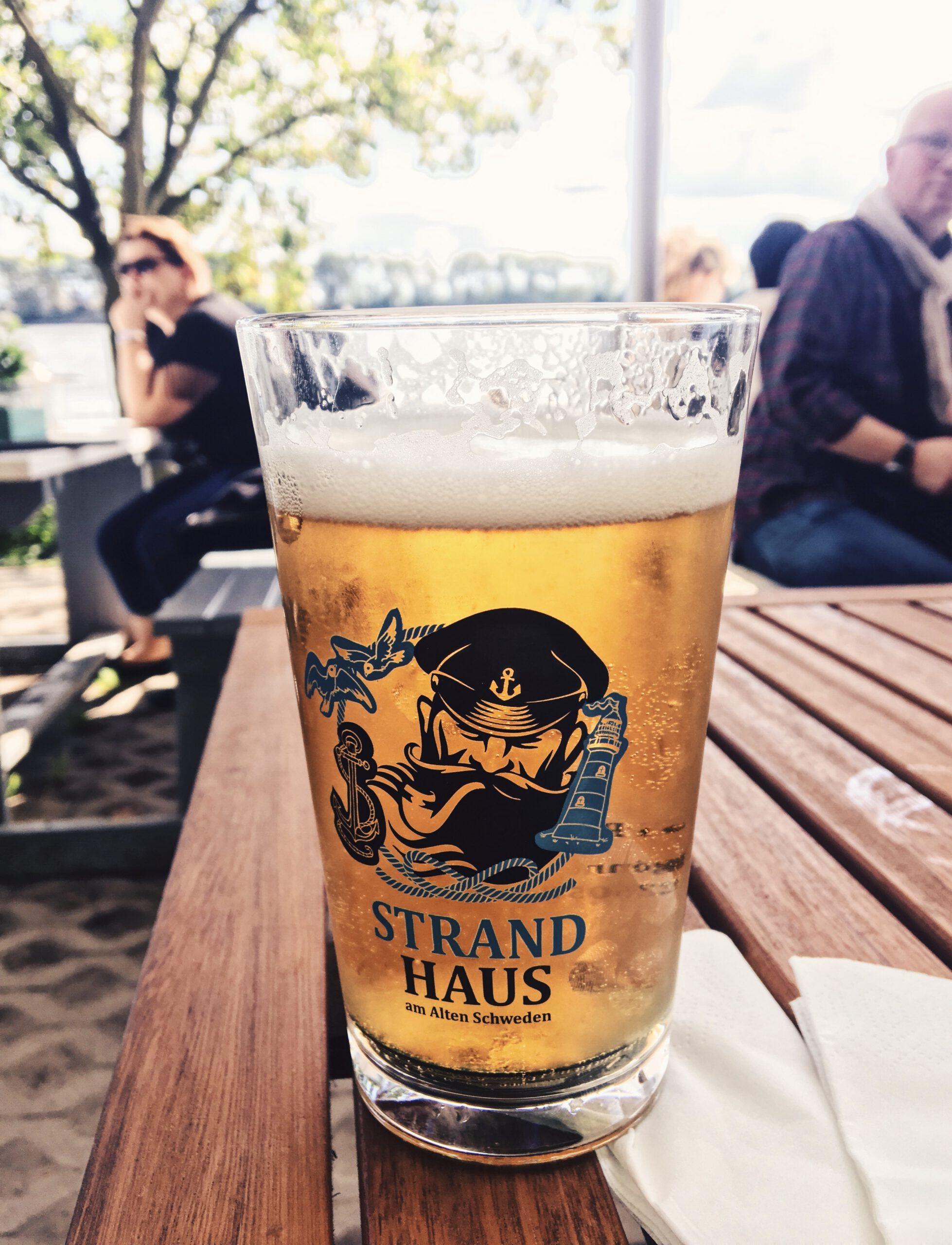 Eine von viele Bars mit Aussicht in Hamburg: Das Strandcafe!