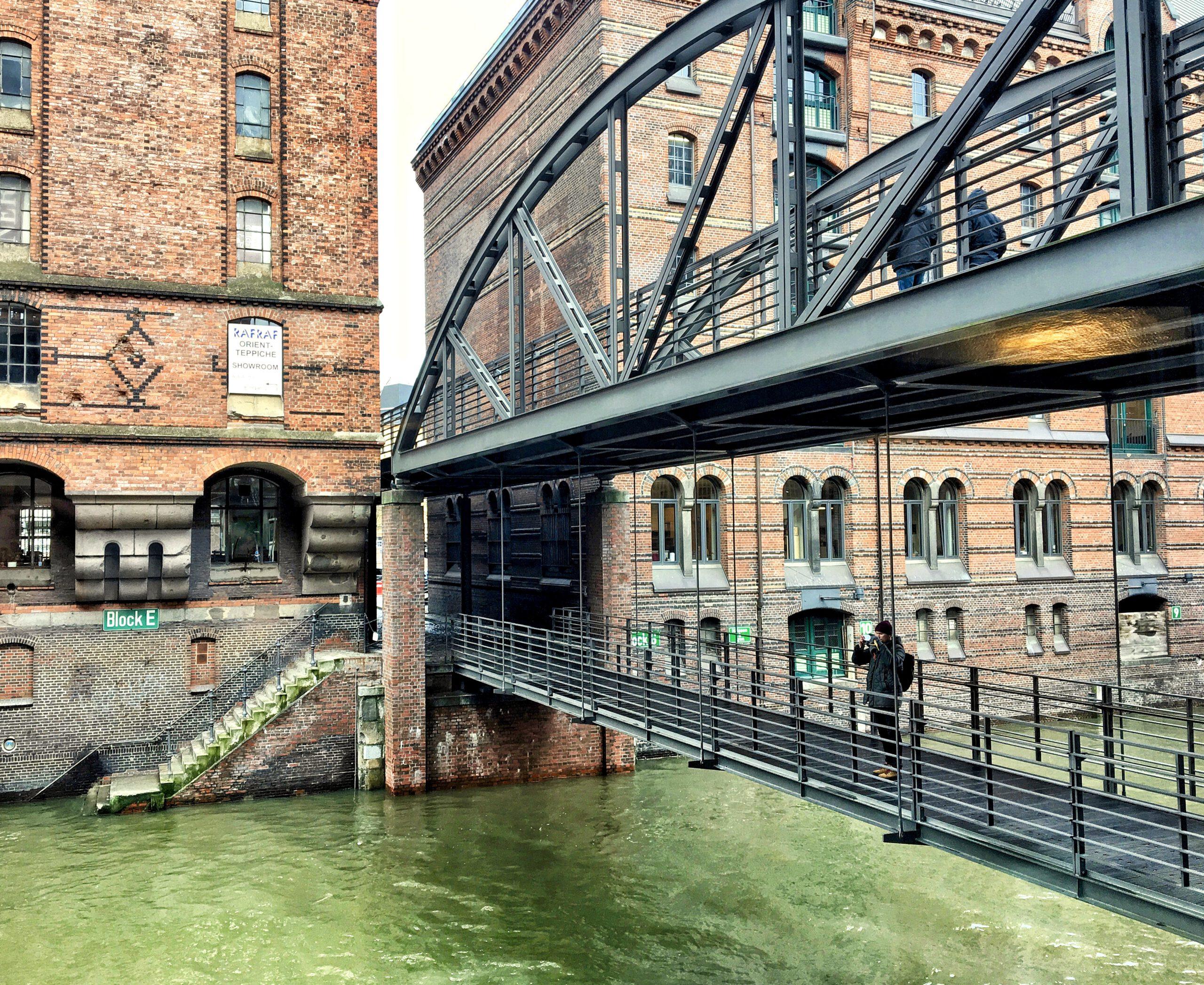 Hamburgs Speicherstadt fotografieren: Die Kibbelstegbrücke