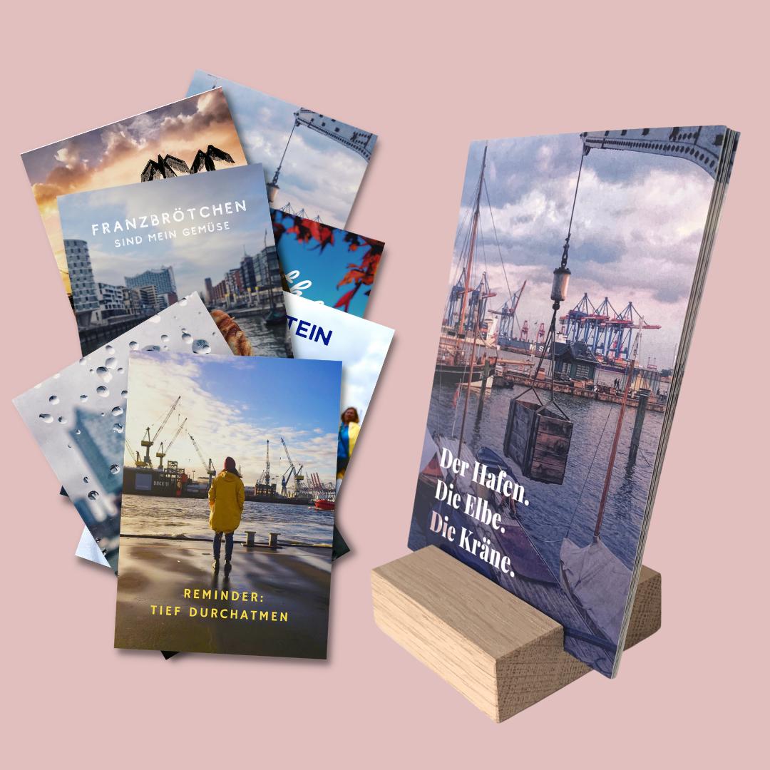 Postkarten Halter Ständer Holz mit Hamburg Postkarten von Frau Elbville