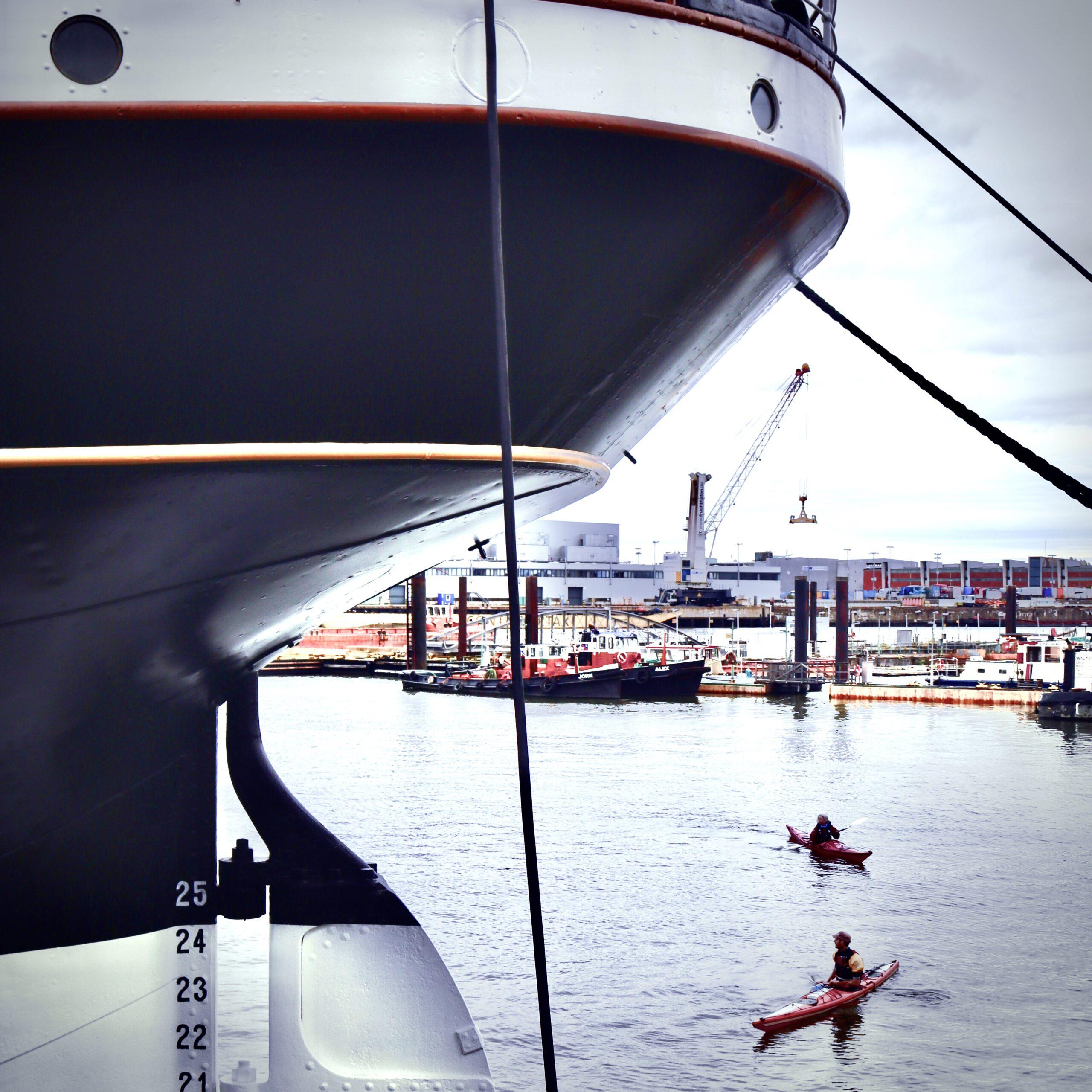 Schiffe In Hamburg: Viermastbark Peking